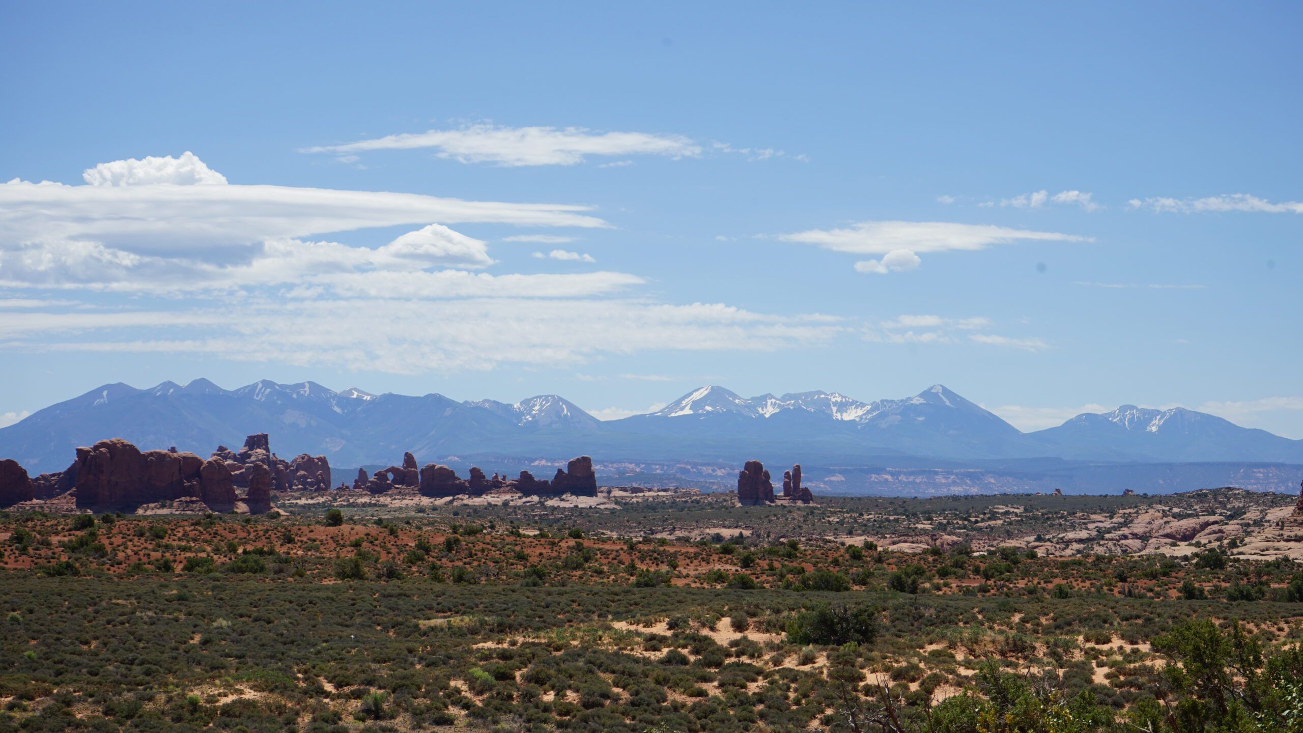 Hike the Devils Garden Trail in Arches National Park This Summer