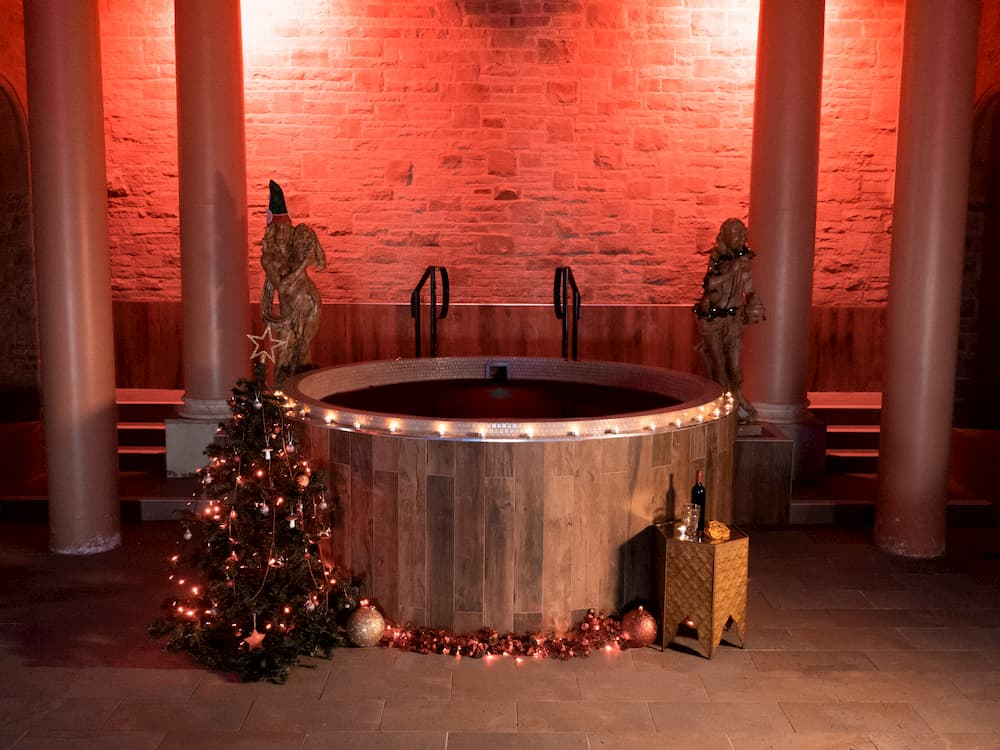 """Experience the """"World's First Ever Mulled Wine Spa Day"""" in the UK"""